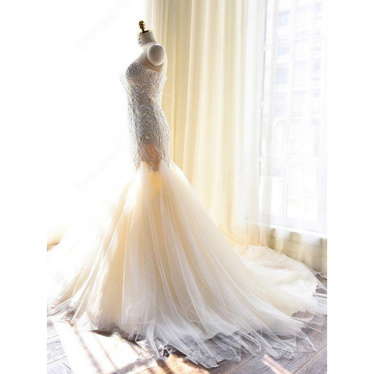 Strapless Sweetheart Lace Appliqués Tulle Mermaid Wedding Dress with Court Train and Lace-Up Back