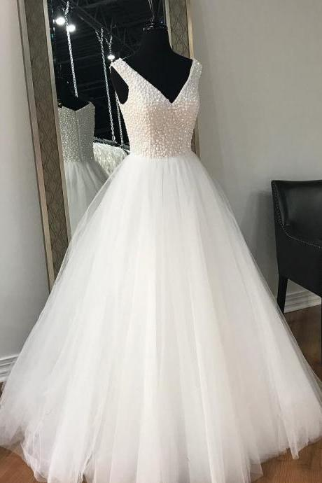 Glamorous Ball Gown V-Neck Sleeveless White Long Prom/Evening Dress With Beading